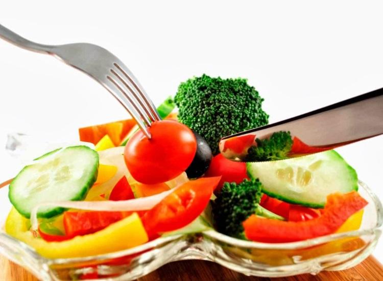 dieta balanceada metabolismo acelera alimentos equilibrados porcoes medianas evitar carboidratos