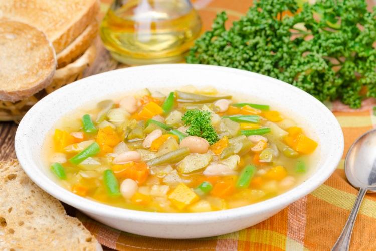 sopa e boa para dietas consumida quente inicio da refeicao transmite conforto satisfacao