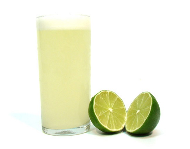 é possível obter resultados contra manchas de ferrugem apenas com suco de limão.